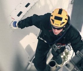 worker-from-above-banner-280x240.jpg